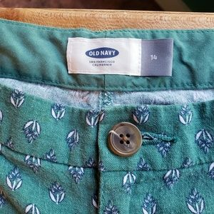 Super cute old navy floral shorts